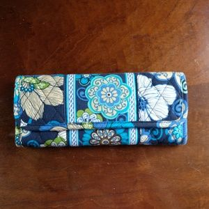 Vera Bradley Sleek Wallet in Mod Floral Blue